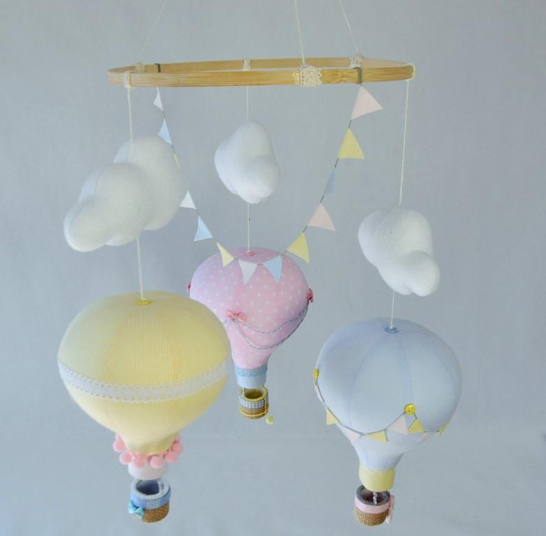 Zestaw literek Duża karuzela z motywem 3 balonów i chmurek.