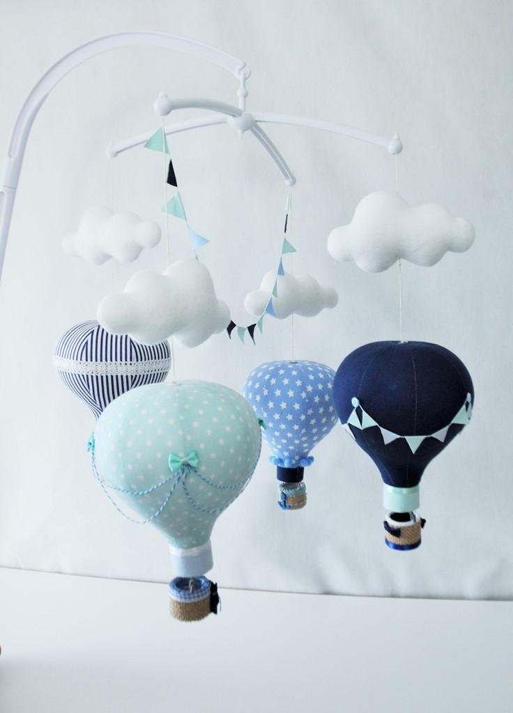 Zestaw literek Duża karuzela z motywem 4 balonów i chmurek